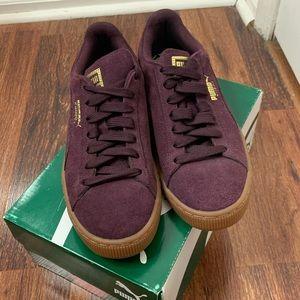 NWT Puma Purple Suede Sneakers